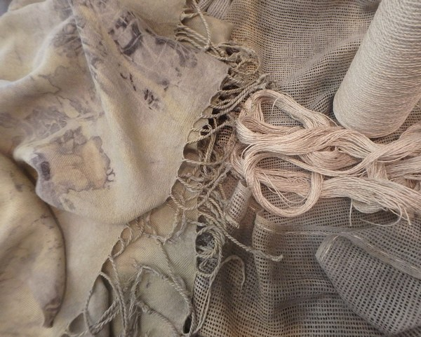 scarves-with-silk-thread